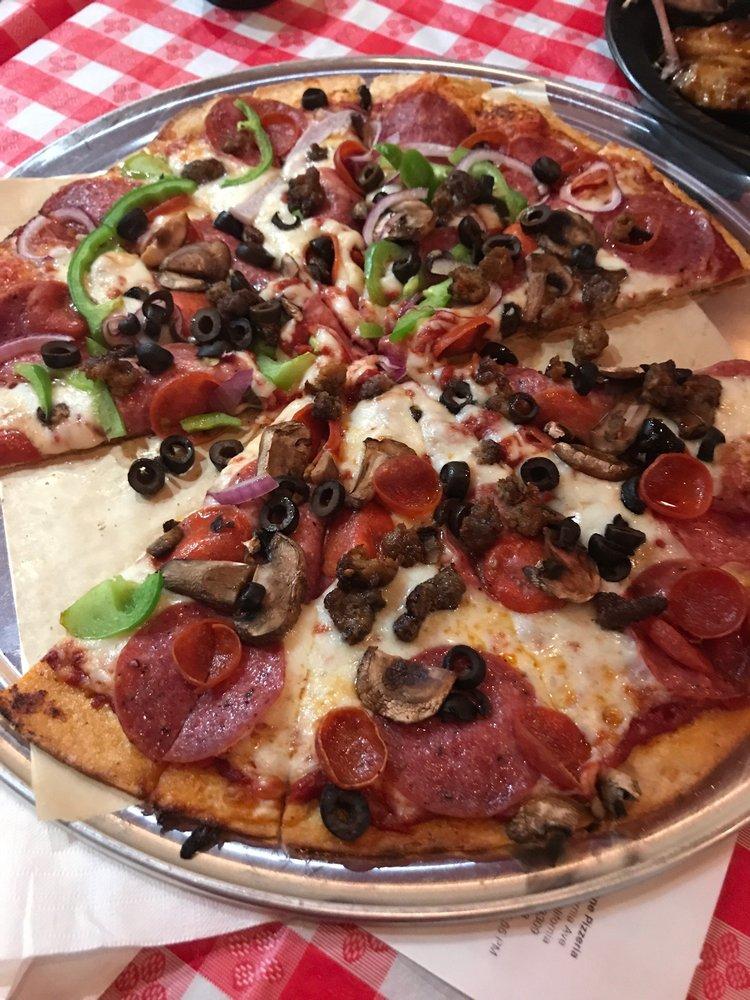 Woodstone Pizzeria: 5440 California Ave, Bakersfield, CA