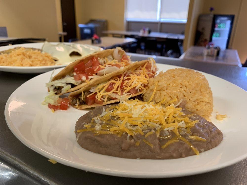 Maggie's Restaurant: 4831 E State Highway 86, Blue Eye, MS