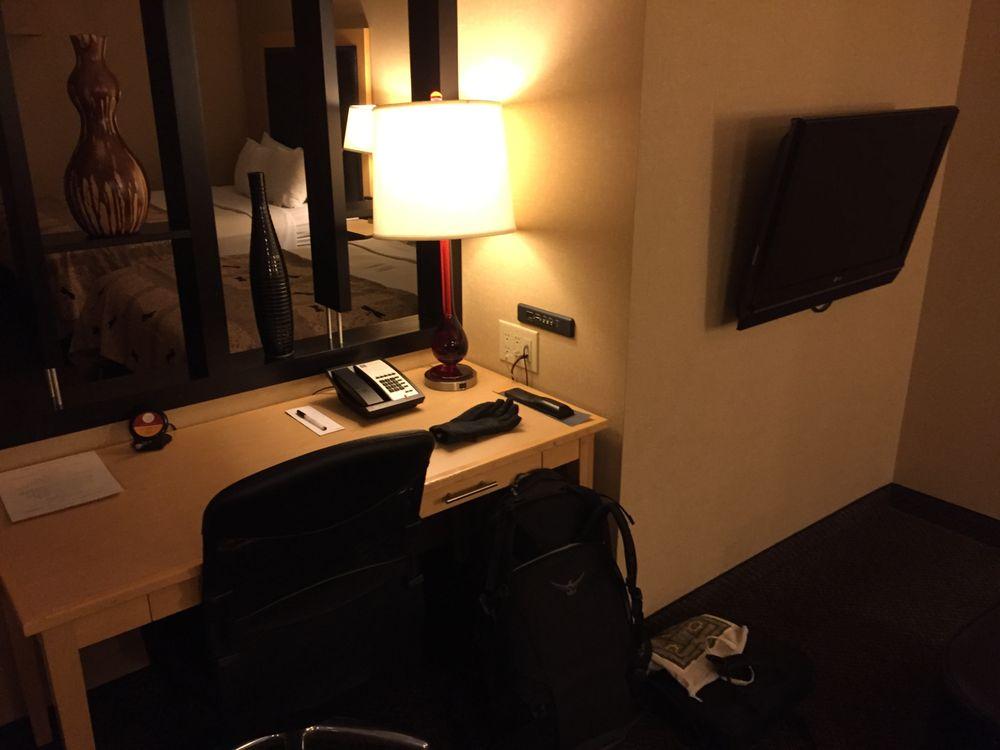 Cambria Hotel Minneapolis Maple Grove: 9655 Grove Circle North, Maple Grove, MN