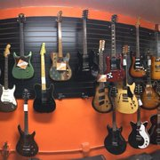 cowtown guitars closed 43 photos 29 reviews guitar stores 1331 s commerce downtown. Black Bedroom Furniture Sets. Home Design Ideas