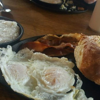 Two Cracked Eggs Cafe - 67 Photos & 67 Reviews - Breakfast ...