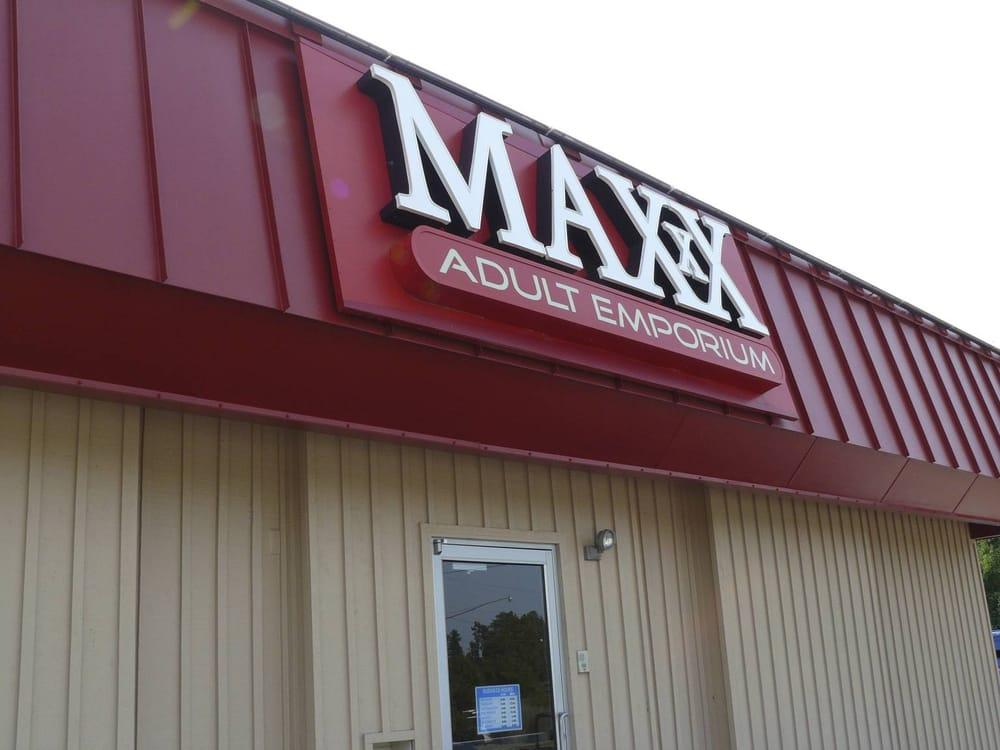 Maxx Adult