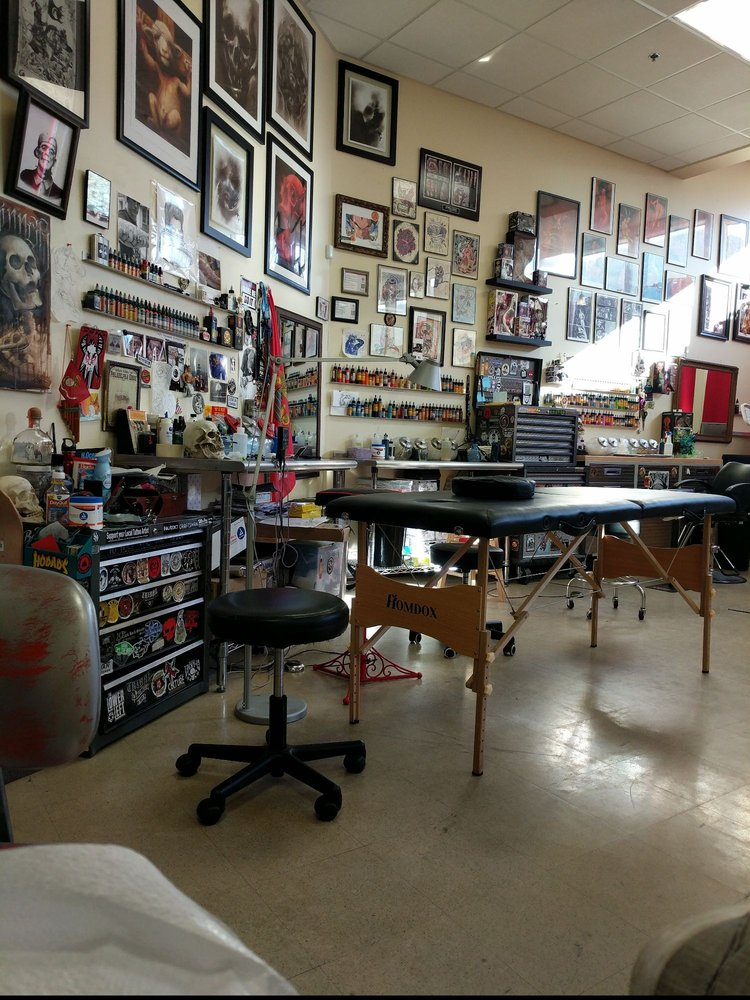Bare Knuckle Tattoo: 129 Franklin St, Watertown, NY