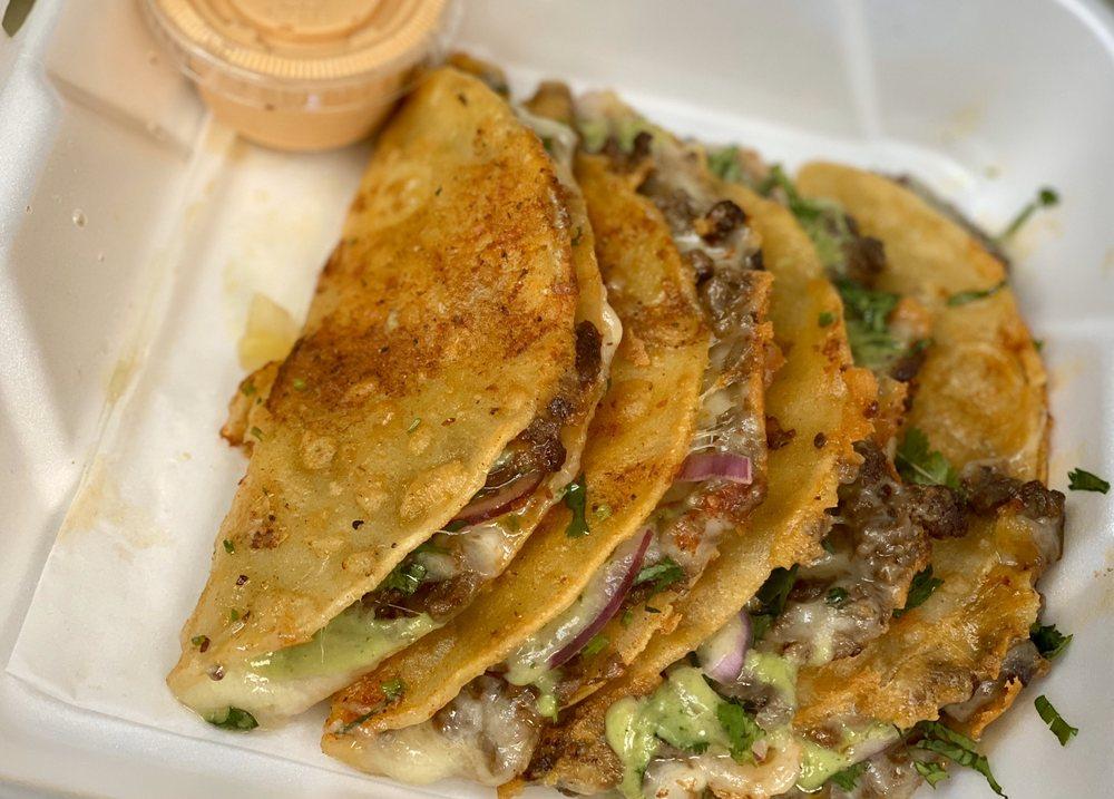 David'z Tacos: 1030 East Ave, Turlock, CA