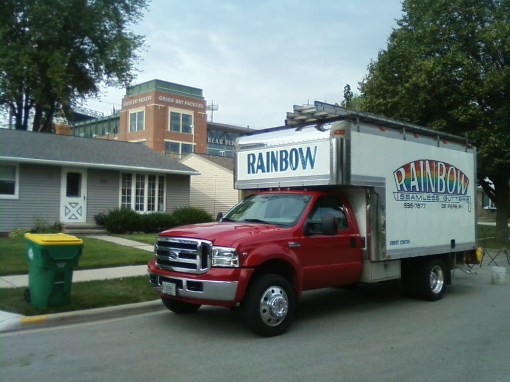 Rainbow Seamless Gutters: 1823 Tas Sha Ct, De Pere, WI