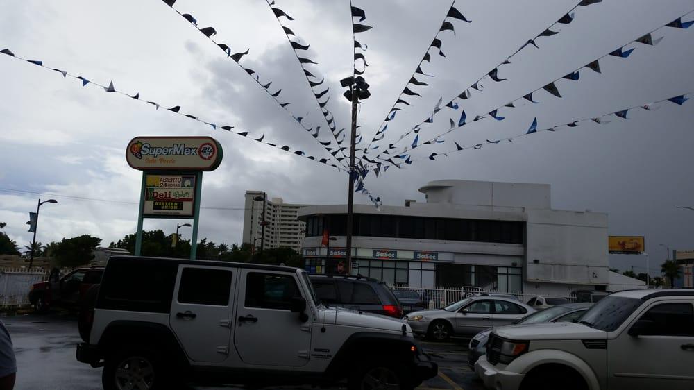 Supermax: Calle Venus 1, Carolina, PR