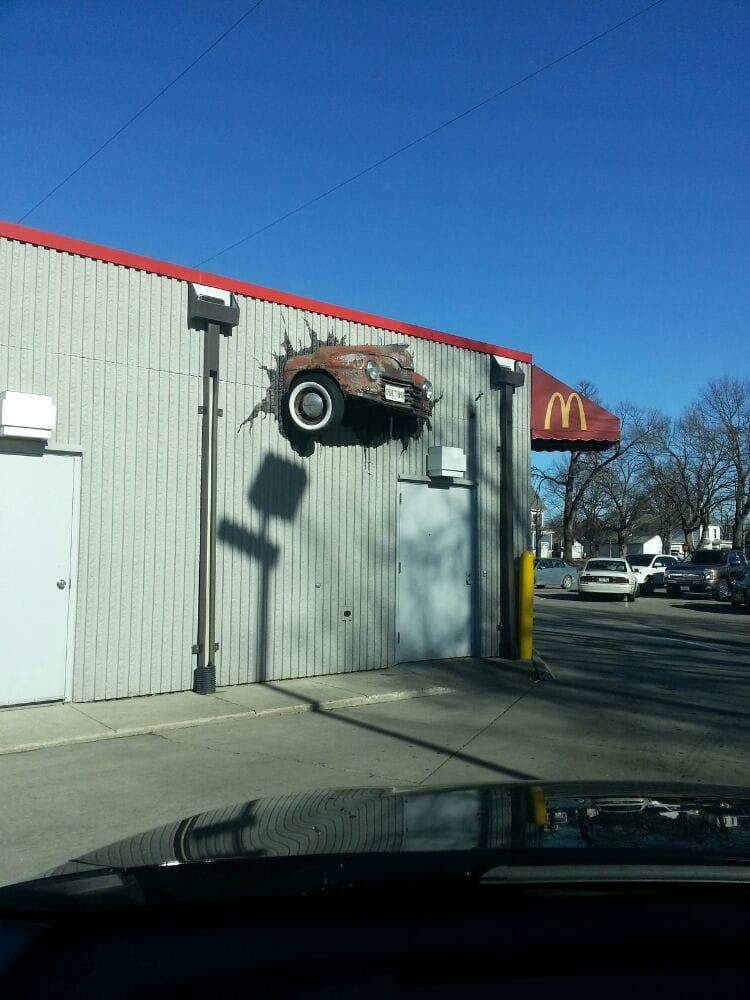 McDonald's: 411 Central Ave E, Hampton, IA