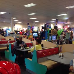 Chuck E Cheese S Order Food Online Pizza 3600 E State St