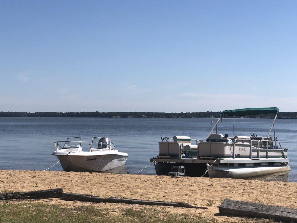 Palmetto Shores RV Resort: 5215 Dingle Pond Rd, Summerton, SC