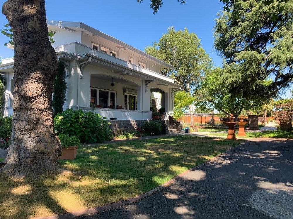 Casa Bella: 8790 Sonoma Hwy, Kenwood, CA