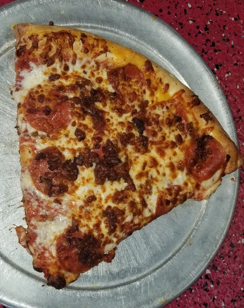 Mama C's Pizza: 1175 North Hwy 5, Camdenton, MO