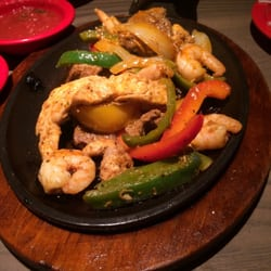 Photo Of Rojo Mexican Bistro Novi Mi United States Triple Meat Fajitas