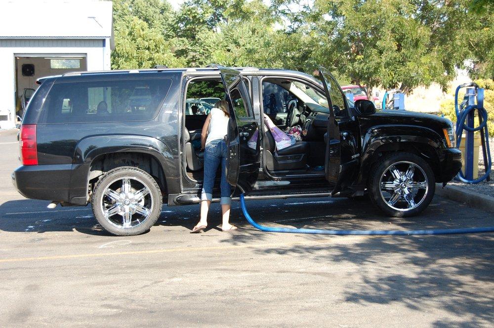 Splash Car Wash & Detailing: 2131 13th Ave, Lewiston, ID