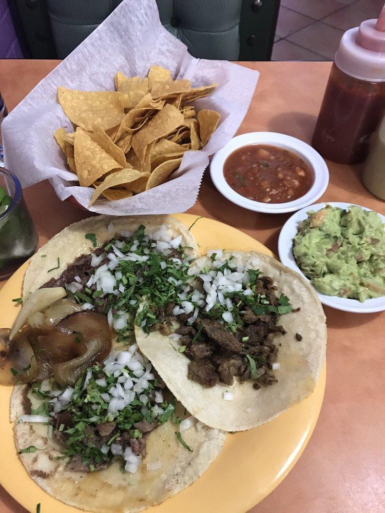 Food from El Rey del Taco