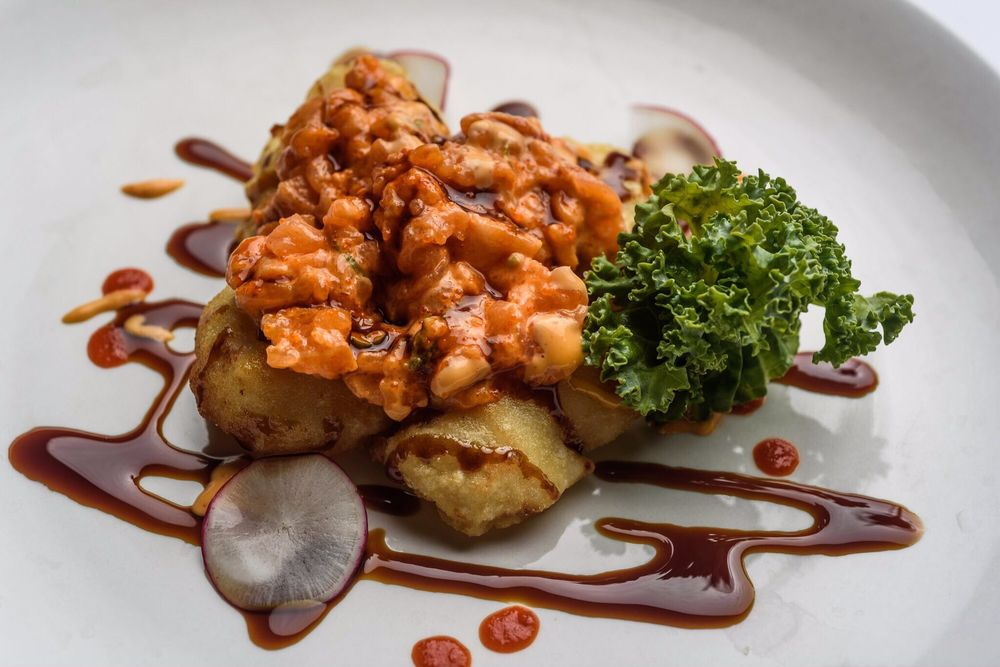 Yoka Japanese Sushi Bar & Steak House: 1004 Fortune Rd, Youngsville, LA