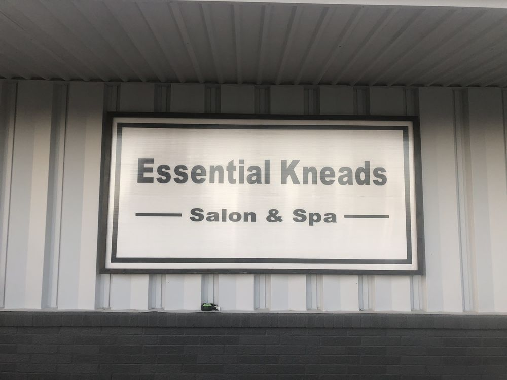 Essential Kneads Salon & Spa: 415 Park Ln, Chillicothe, MO
