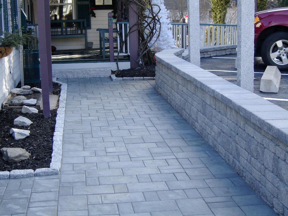 Look'n Good Landscape & Hardscape Supply & Services: 80 Circle Rd, Barre, MA
