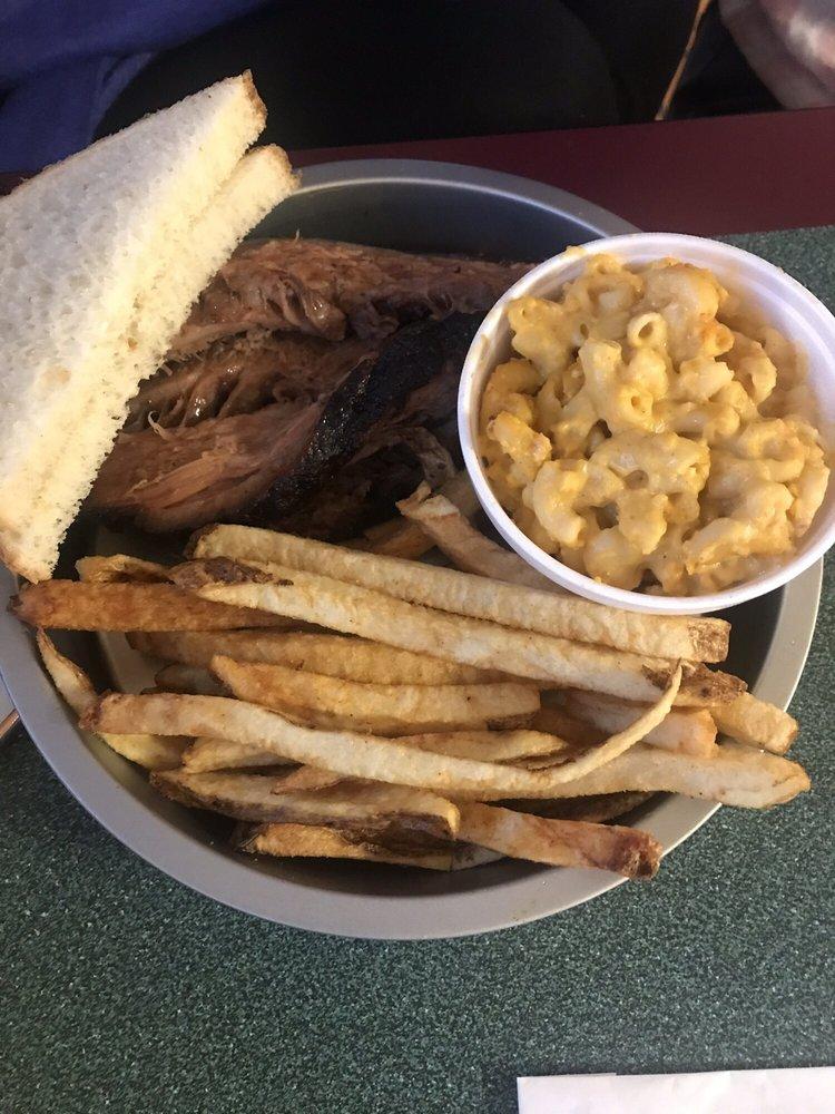 Doug's Smokehouse: 1712 S Caraway Rd, Jonesboro, AR