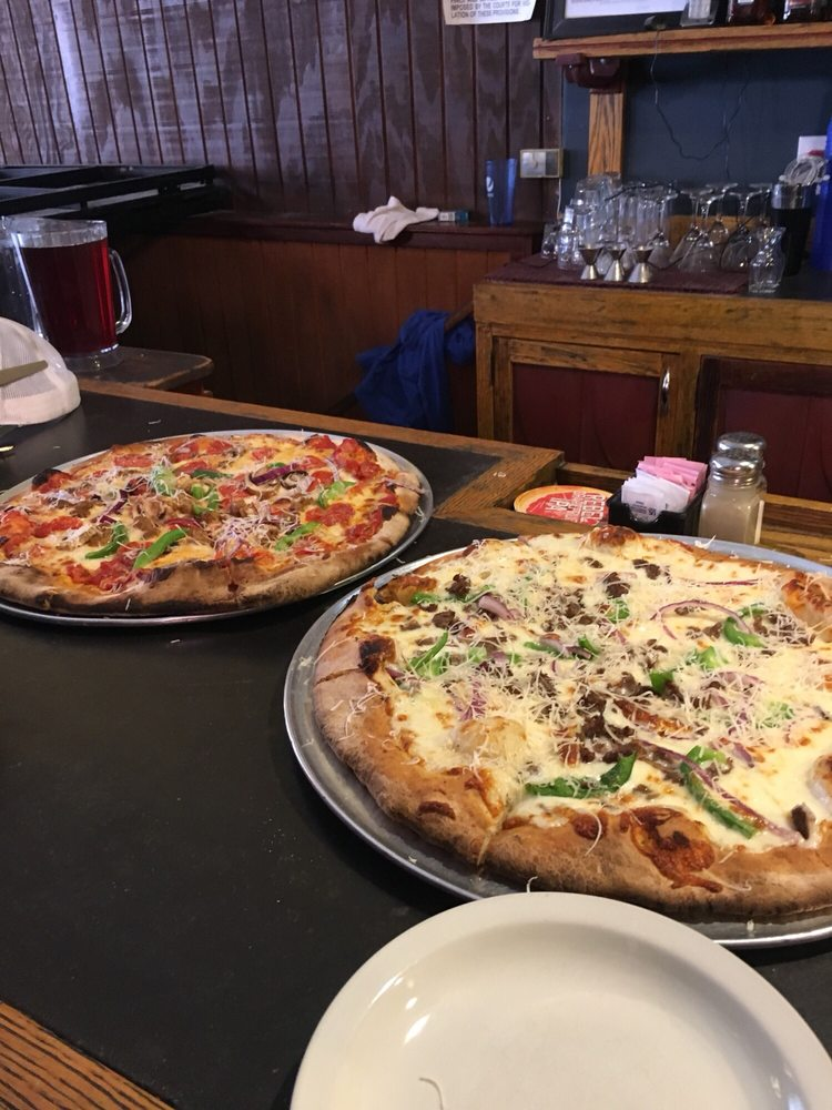 Bella Luna Pizzeria: 121 W Main St, Trinidad, CO