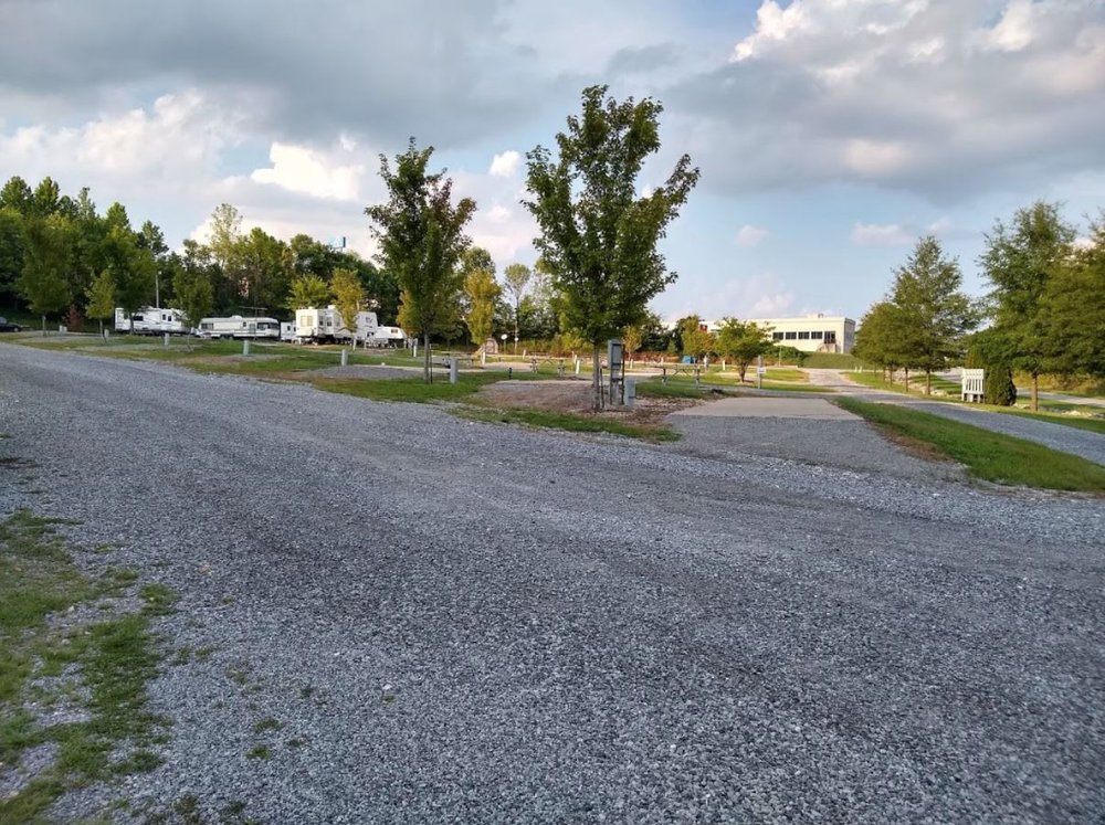 Tween the Lakes RV Park & Campground: 831 Vulcan Rd, Grand Rivers, KY