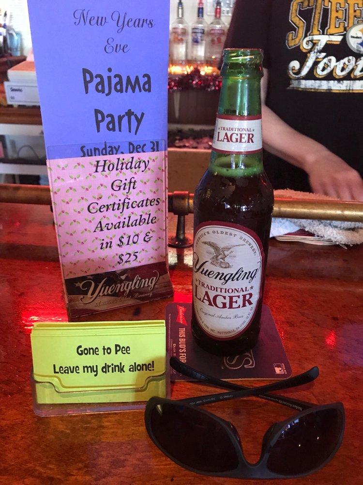 Blind Shark Tavern: 11305 Starkey Rd, Largo, FL