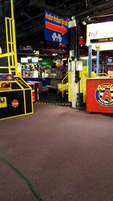 Arnold's Family Fun Center 100 Station Ave Oaks, PA Arcades