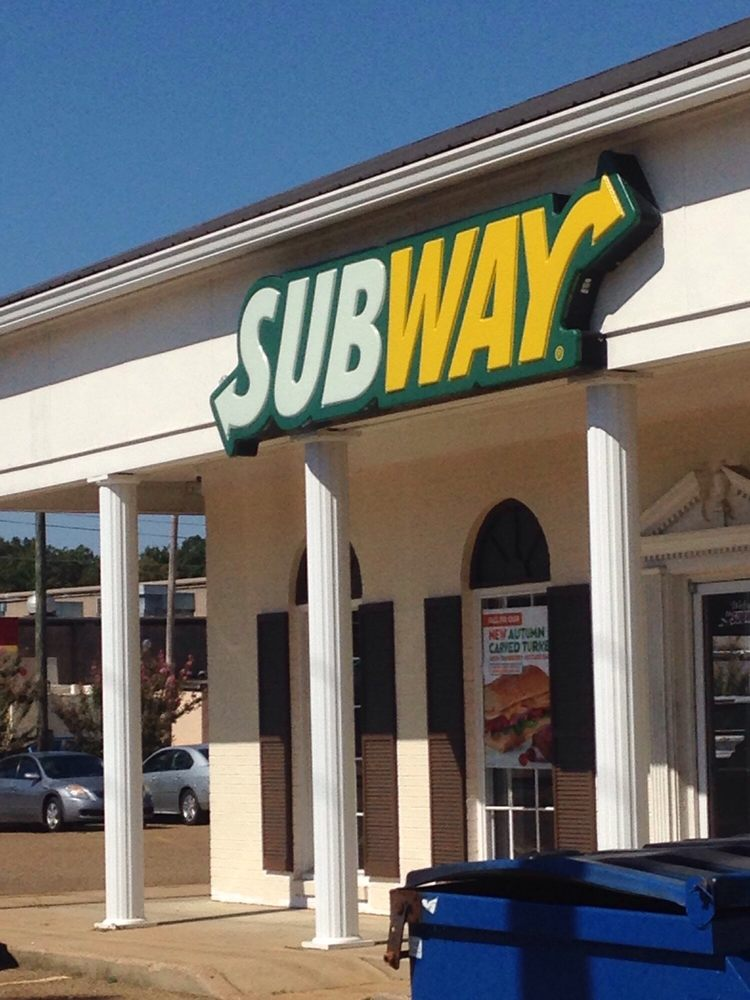 Subway: 10 Dell St, Batesville, MS