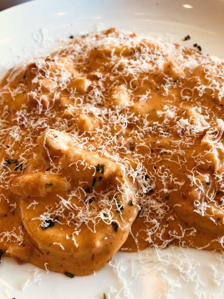 Giovannis Italian Restaurant & Pizeria: 115 W Hwy 190, Copperas Cove, TX