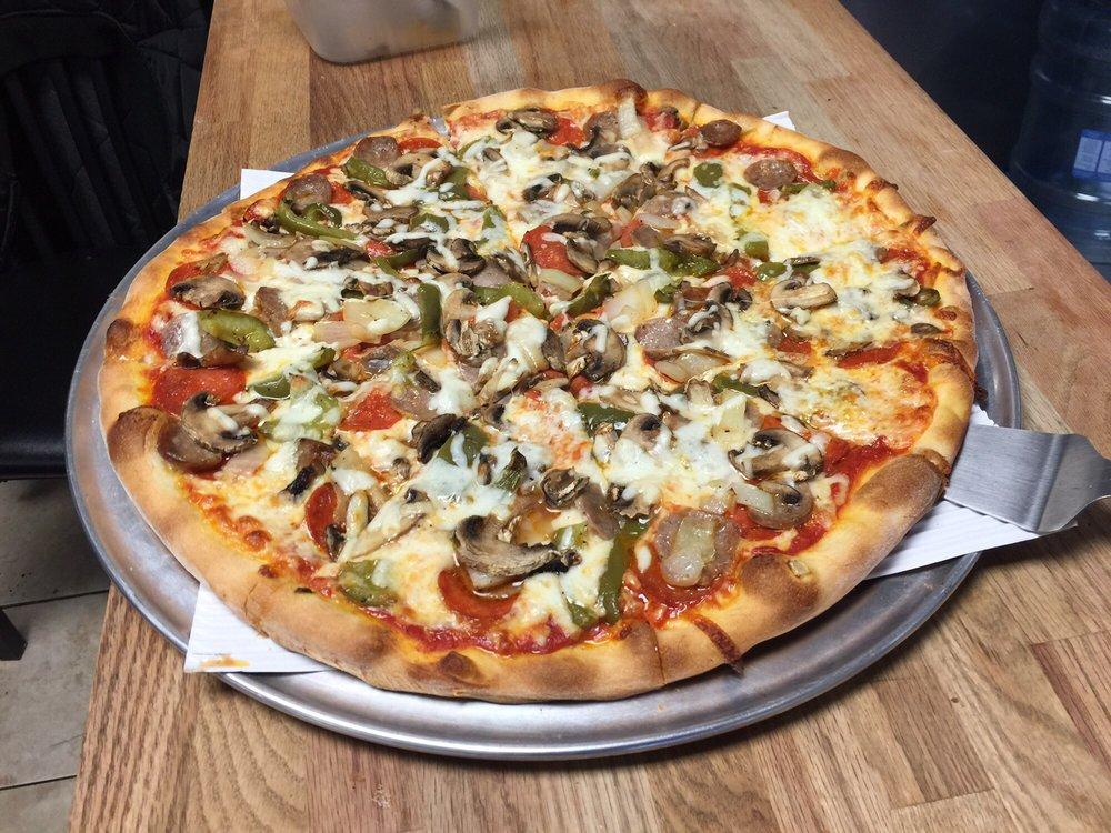 DiMaggio Pizza & Pasta: 499 Champion Dr, Canton, NC