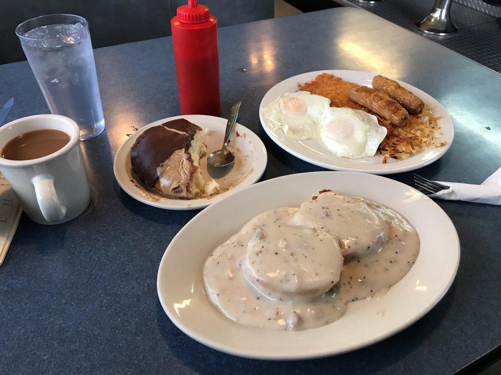 Dad's Diner: 5497 Hwy 95, Potlatch, ID