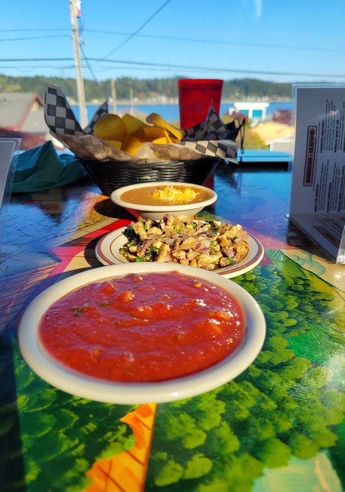 2 Margaritas Family Restaurant: 18321 E Rte 3, Allyn, WA