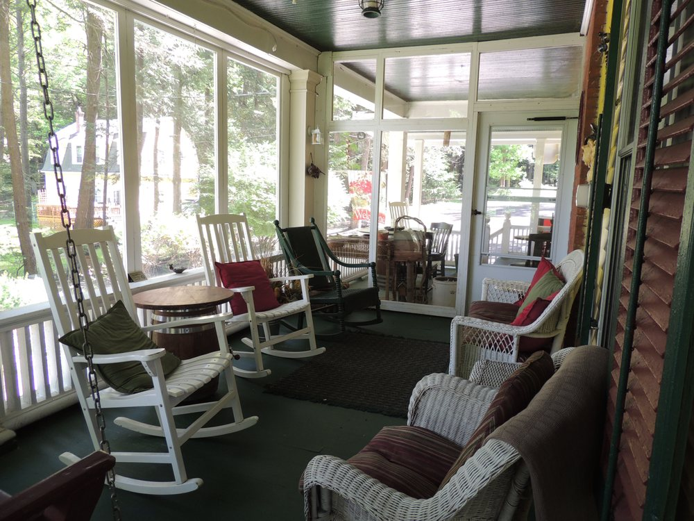 Brookview Manor Inn: 4534 Route 447, Canadensis, PA