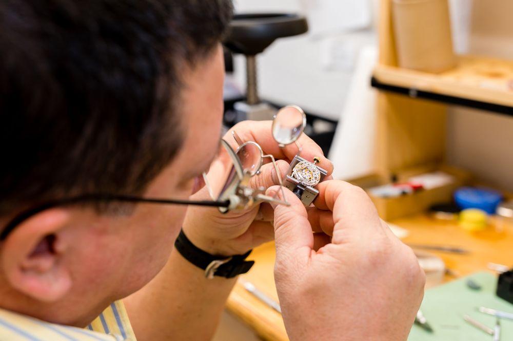 Richard's Custom Jewelers: 670 Grapevine Hwy, Hurst, TX