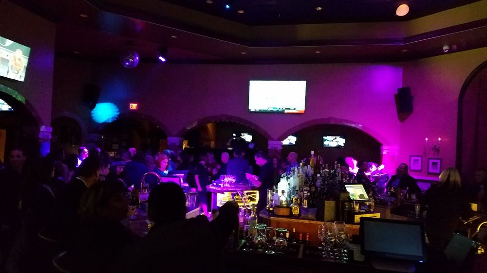 VLounge: 2251 W Lake St, Addison, IL