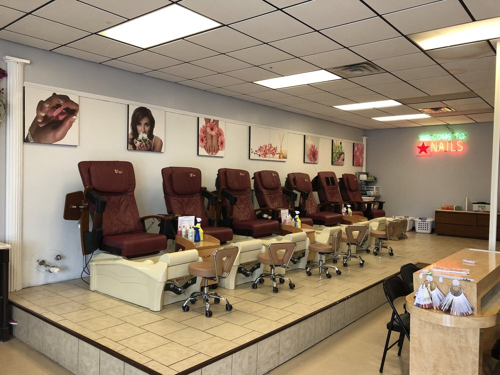 Star Nails and Spa: 717 E Wyandotte Ave, McAlester, OK