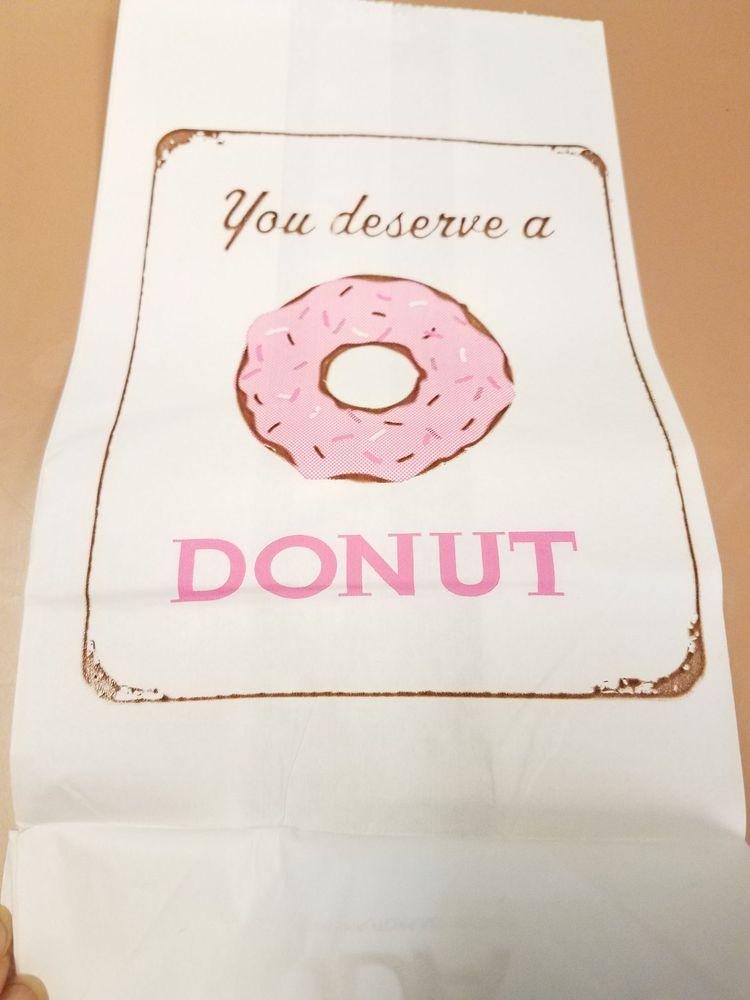 Westernco Donut: 251 Sunset Blvd N, Renton, WA