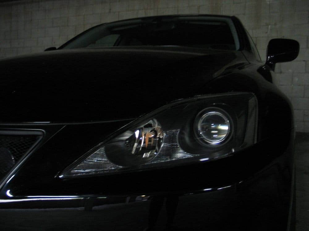 2007 lexus is250 headlight goes out