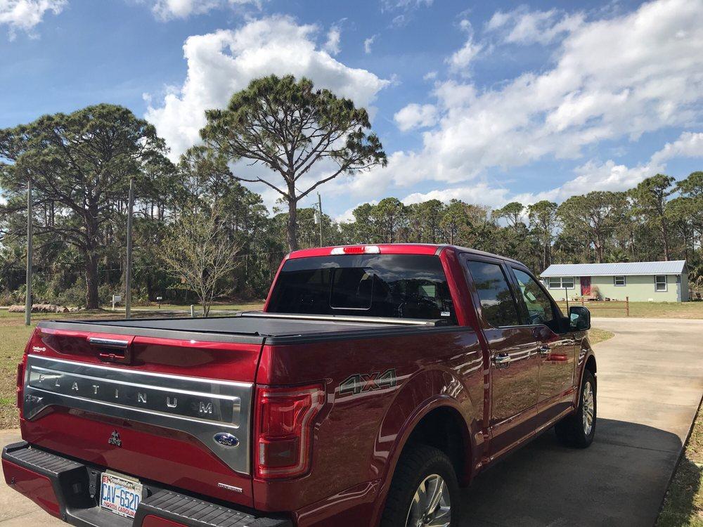 Splash-N-Dash Car Wash: 606 N Ridgewood Ave, Edgewater, FL