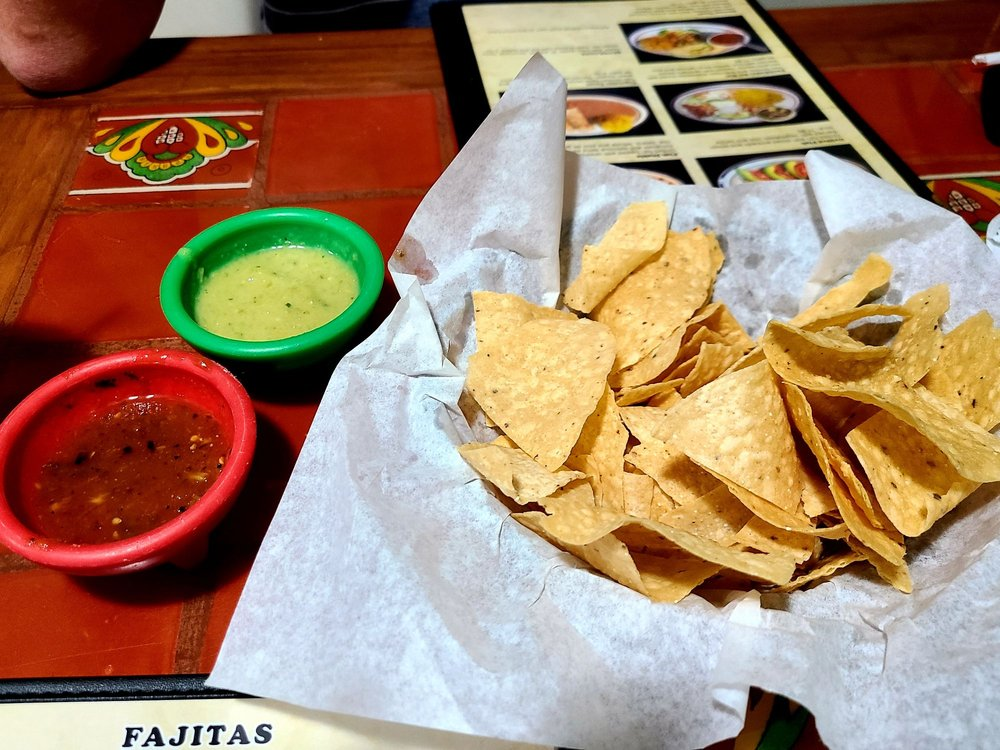 Ericks Mexican Restaurant: 735 10th St, Hempstead, TX