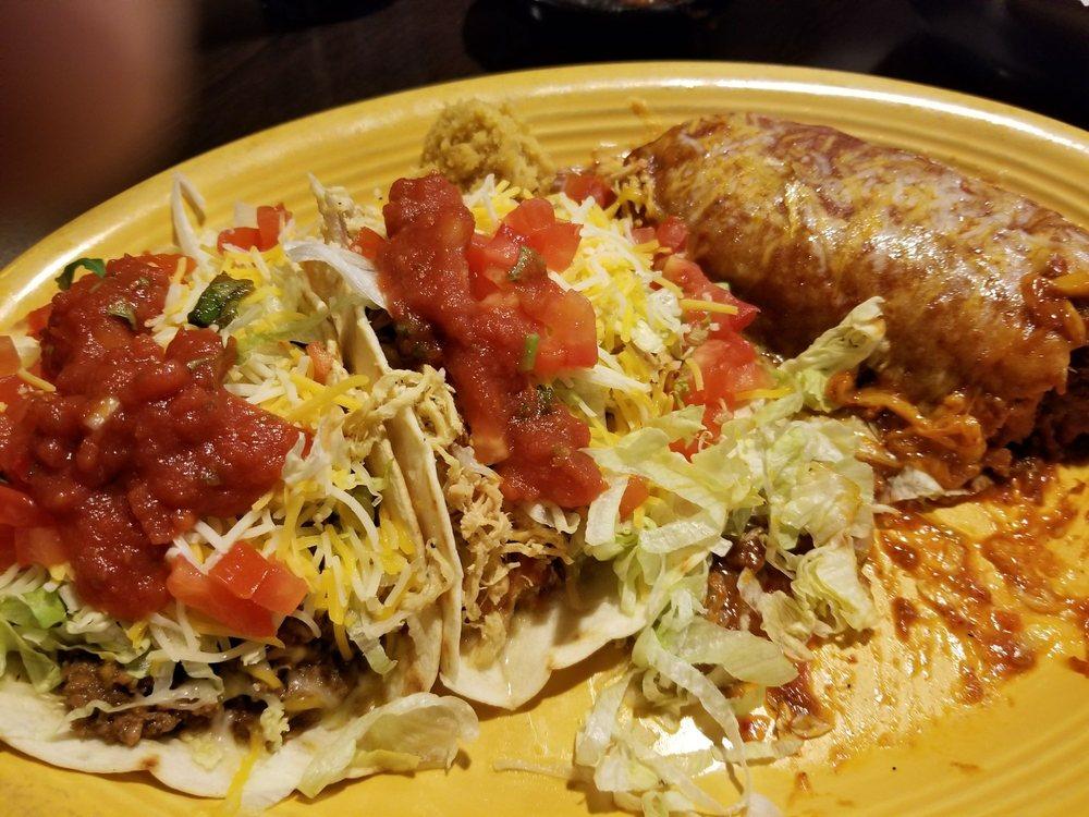 Cilantro's Mexican Bar & Grill: 7515 Pacific St, Omaha, NE
