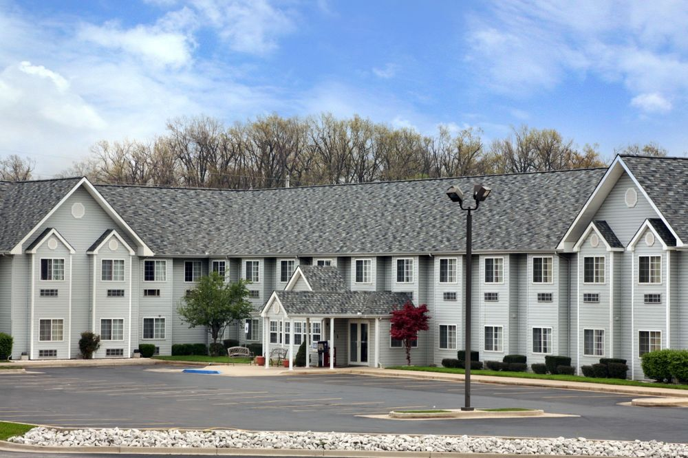 Microtel Inn & Suites by Wyndham Joplin: 4101 Richard Joseph Blvd, Joplin, MO