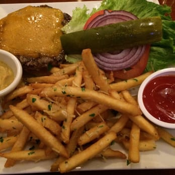 Le chateau garden bistro 193 photos 74 reviews for Elite food bar 325 east 48th street