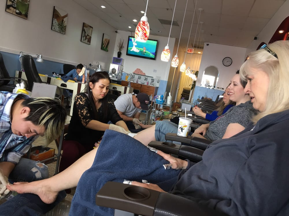 A q nails 253 photos 38 reviews nail salons 140 for A q nail salon collinsville il