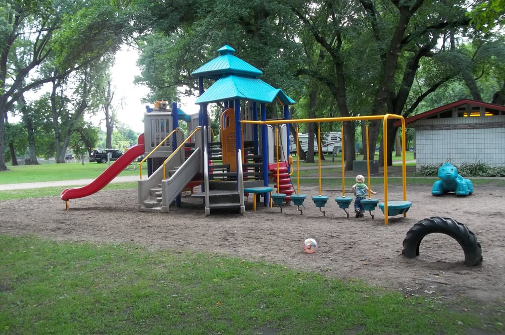 Two Rivers Campground & Tubing: 5116 145th St NW, Royalton, MN