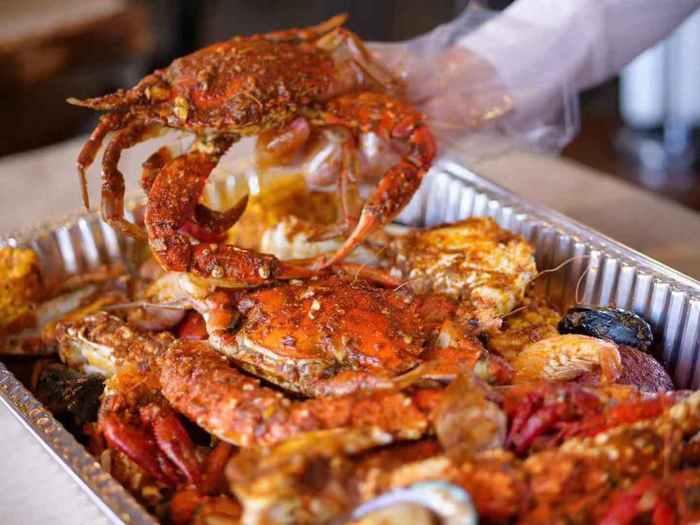 Mr & Mrs Crab: 9131 Hwy 49, Gulfport, MS