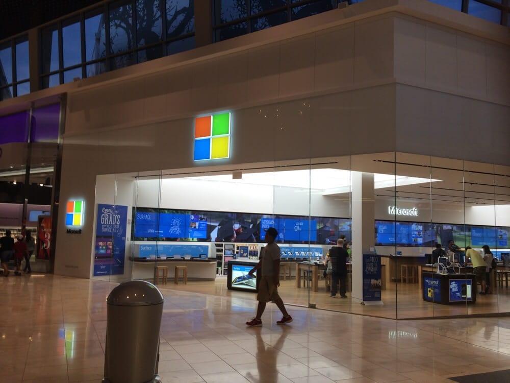 Microsoft Store 14 Photos Electronics Garden State Plaza Paramus Nj United States
