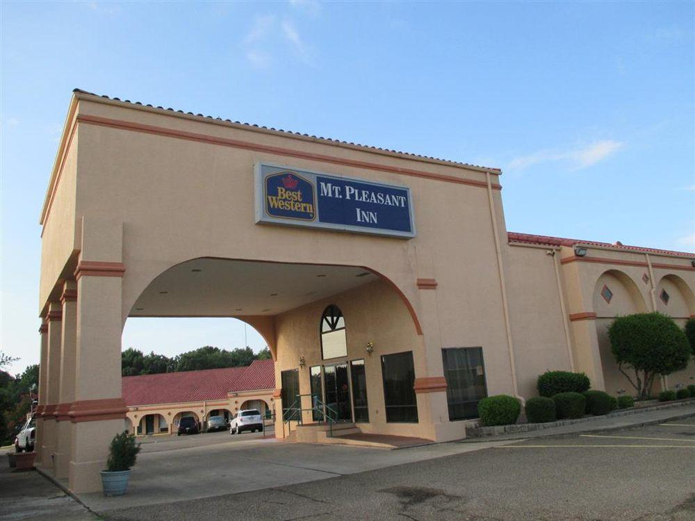 Best Western Mt. Pleasant Inn: 102 E Burton Rd, Mount Pleasant, TX