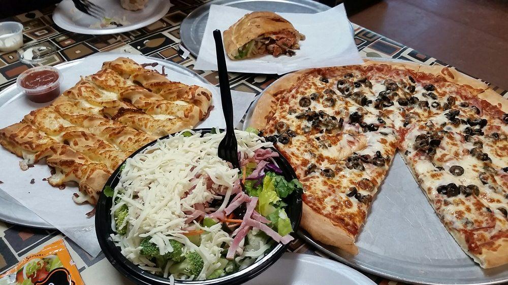 Pizza Plus- Hyrum: 70 N 800th E, Hyrum, UT