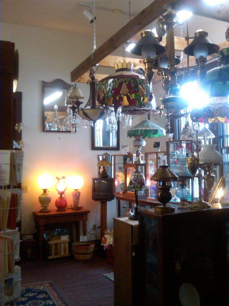 Aurora Lamp Works: 21651 Main St NE, Aurora, OR
