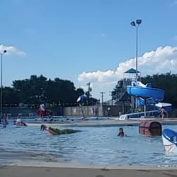Micki Krebsbach Swimming Pool 10 Rese As Piscinas 301 Deepwood Dr Round Rock Tx Estados